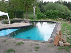 schwimmteichfolie farben schwimmbad und saunen. Black Bedroom Furniture Sets. Home Design Ideas